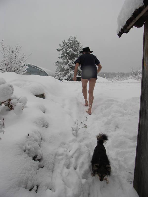 Учитывать нужно все детали сновидения, особенно цвет и состояние пригрезившегося снега.